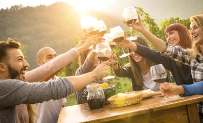 Fotobezoekers wijnproeverij bij GROUPES en INCENTIVES