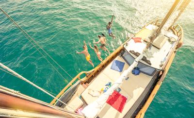 Foto zeilers bij Zeilen en Cruises