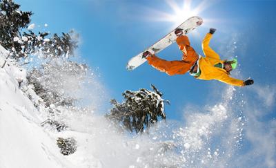 Sfeerbeeld snowboarden op skivakantie